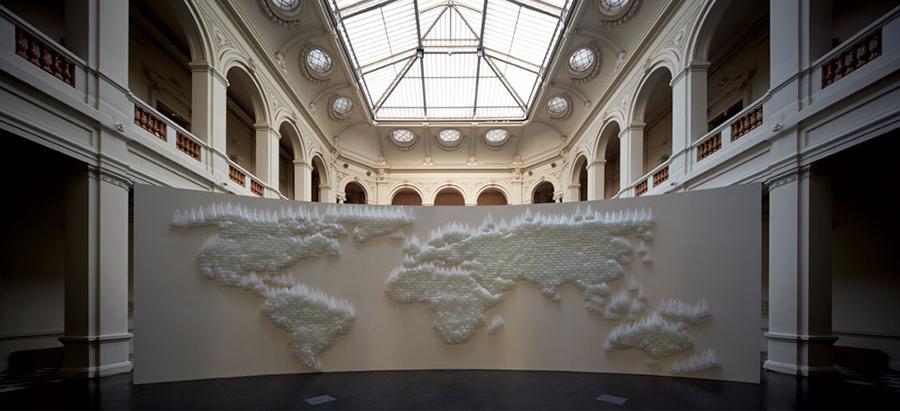 Vista de la muestra Juan Yarur: Un relato personal en el Museo de Arte Contemporáneo de Santiago, en 2013. Foto: cortesía Fundación AMA