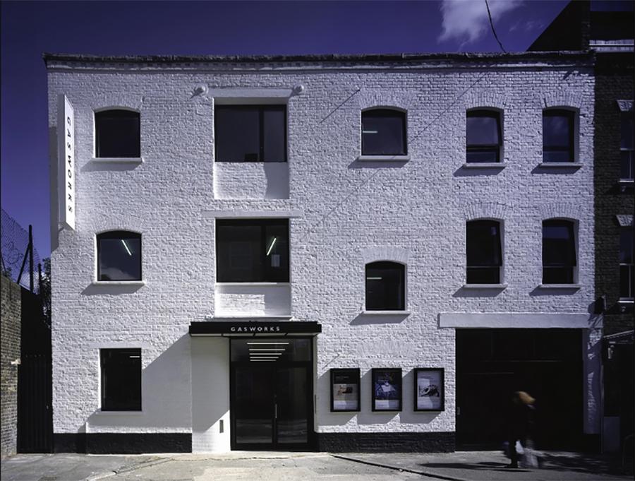 Fachada del edificio de Gasworks en Londres, Reino Unido. Foto: cortesía Fundación AMA.