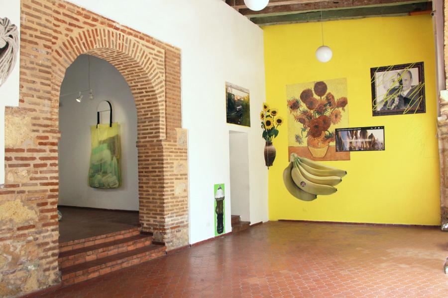 """Vista de la exposición """"Aquí y Allá"""", de Lucía Hierro, en Casa Quien, Santo Domingo, República Dominicana, 2018. Foto cortesía Casa Quien"""