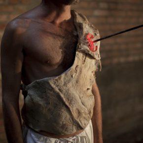 Ayrson Heráclito, Transmutação da Carne (Transmutación de la carne), 2015, performance, São Paulo. Foto: Christian Cravo
