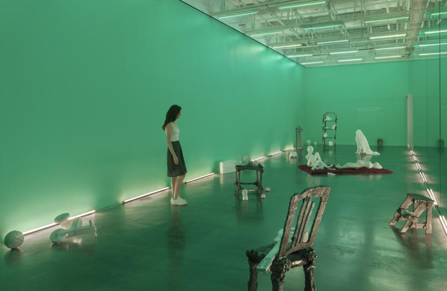 """Vista de la exposición """"Naufus Ramírez-Figueroa: The House at Kawinal"""", en el New Museum, Nueva York, 2018. Foto: Maris Hutchinson / EPW Studio"""