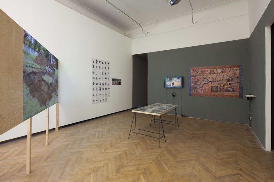 "Installation view of ""The Shores of the World"", at Display, Praga, 2018. Photo: Radek Brousil"