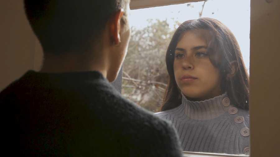 Sebastián Calfuqueo, Buscando a Marcela, still de video. Realización: Juan Pablo Faus