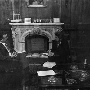 Hubert Fichte y Salvador Allende, Santiago de Chile, 1971. © bpk / S. Fischer Stiftung / Leonore Mau