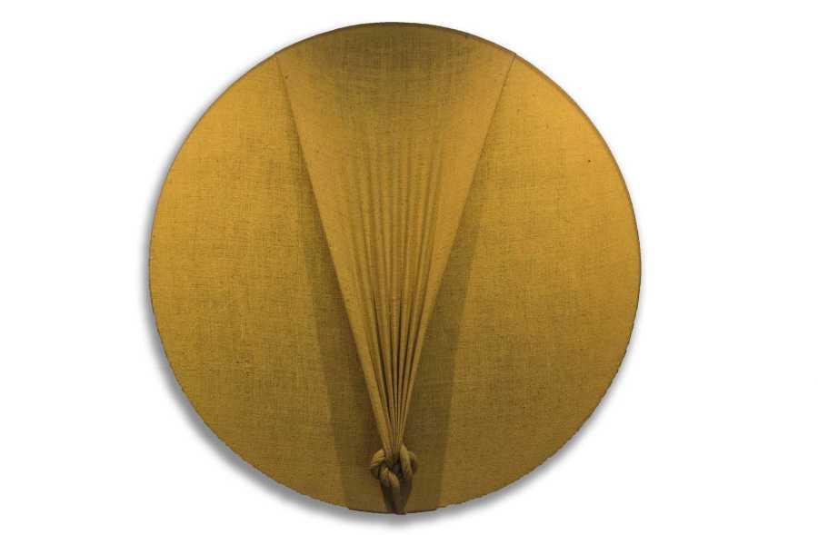 JORGE EIELSON. Disco Solare, tela sobre bastidor de madera, 127 cm de diámetro, 2005. Cortesía: Revolver
