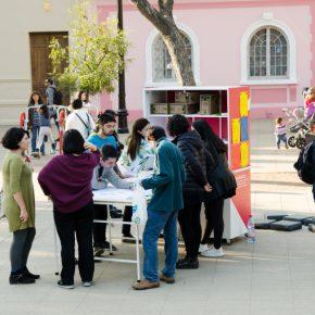 Iconoclasistas. Acción en el Barrio República de Santiago, como parte de la muestra