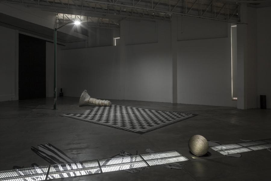 """Vista de la exposición """"Naj Tunich"""", de Pablo Vargas Lugo, en La Tallera, Cuernavaca, México, 2018. Cortesía: La Tallera"""