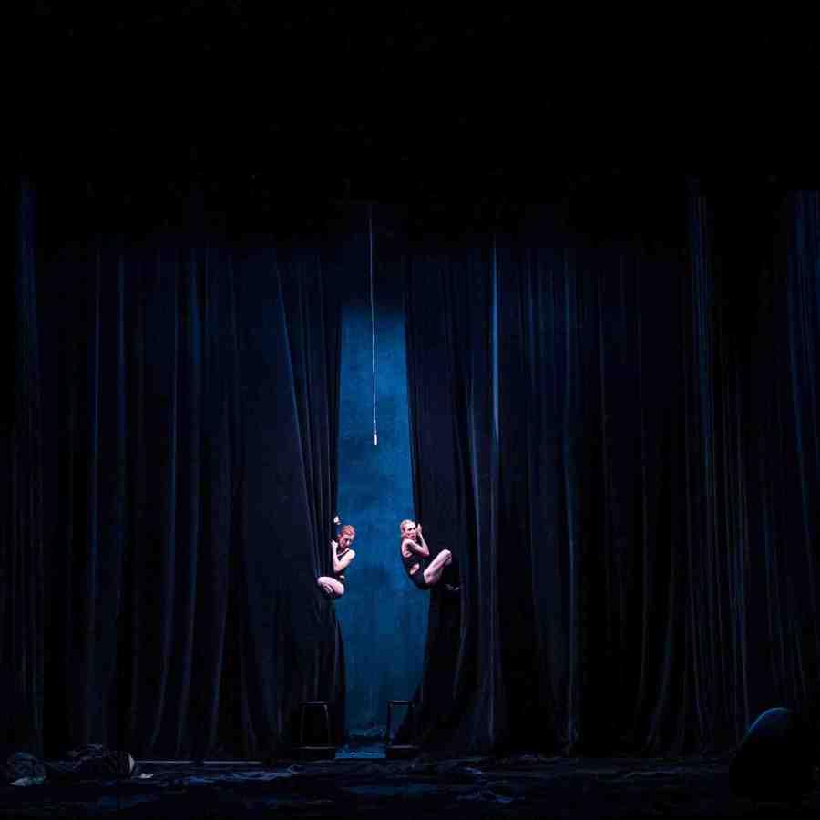 """Presentación de la obra """"Gustavia"""", de La Ribot y Mathilde Monnier, en el Teatro San Martín, Buenos Aires, 2018. Foto: Lulian Nan. Cortesía: Coincidencia"""