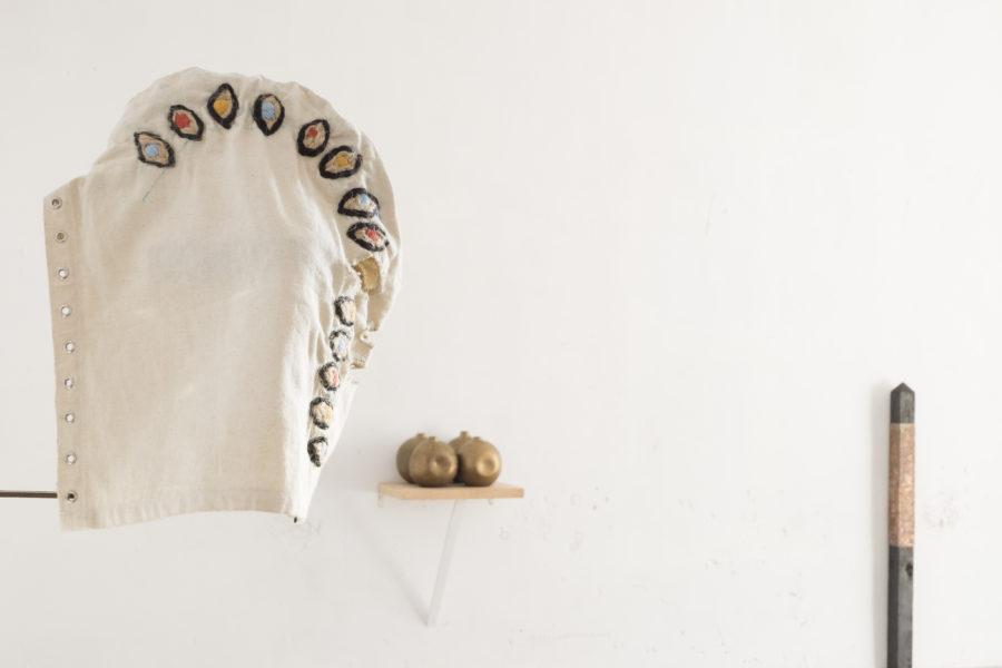 Ana Iturralde en la exposición Un hecho de diferencias, Ana Mas Projects, Barcelona, 2018. Foto: Diana Rangel. Cortesía de la galería