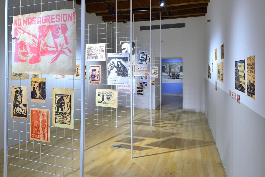 """Vista de la exposición """"La Demanda Inasumible. Imaginación social y autogestión gráfica en México, 1968-2018"""", en el Museo Amparo, Puebla, México, 2018. Foto cortesía del Museo Amparo."""