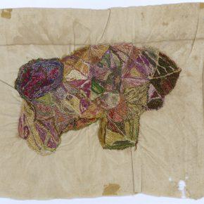Jeanne Tripier, Sin título, entre 1935 y 1939, bordado de algodón sobre tela, 20 x 25 cm. Foto: Sarah Baehler, Atelier de numérisation – Ville de Lausanne. Collection de l'Art Brut, Lausana