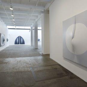 Zilia Sánchez, Heroicas Eróticas en Nueva York, 2014, vista de la exposición en Galerie Lelong, NY. Cortesía de la galería