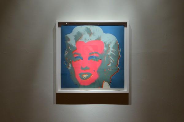 Andy Warhol, Colección Juan Yarur: Un relato personal. Vista de instalación en el MAC Parque Forestal, 2013. Foto: Chi-Hua Salinas Sung