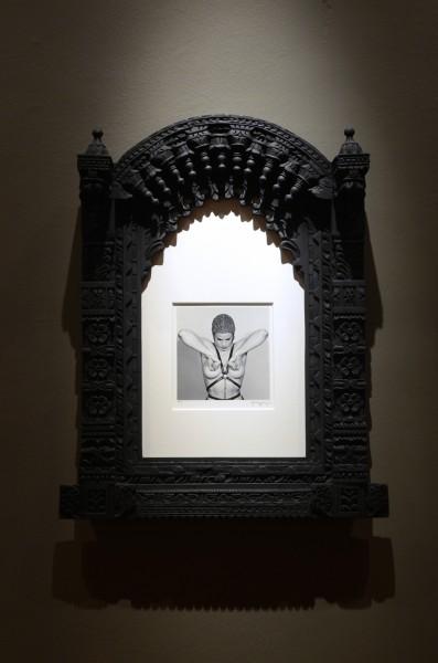 Robert Mapplethorp,Colección Juan Yarur: Un relato personal. Vista de instalación en el MAC Parque Forestal, 2013. Foto: Chi-Hua Salinas Sung