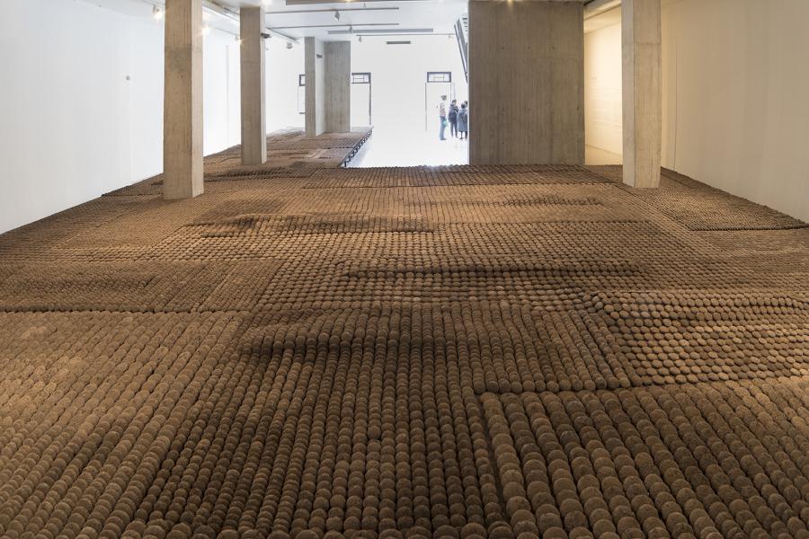 """Vista de la exposición """"Enie"""", de Delcy Morales, en NC-Arte, Bogotá, 2018. Foto: Ernesto Monsalve"""