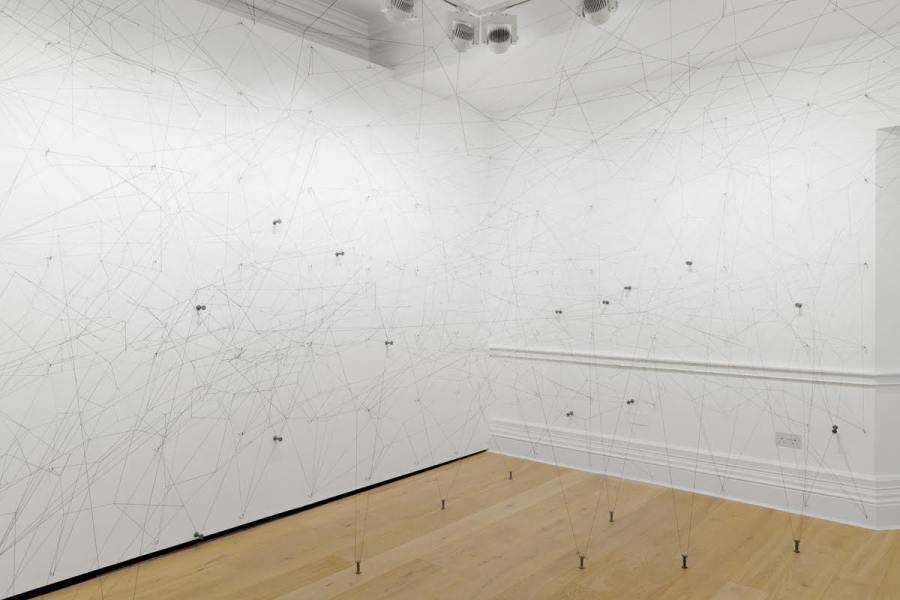 """Vista de la exposición """"Rosa de Cancio"""", de Gustavo Pérez Monzón, en Richard Saltoun Gallery, Londres, 2018. © el artista. Cortesía: Richard Saltoun Gallery, Londres"""