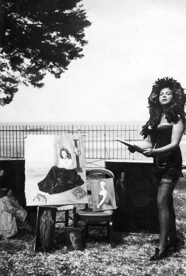 Leonor Fini, Arcachon,1940, fotografía anónima. Cortesía: Leonor Fini Estate