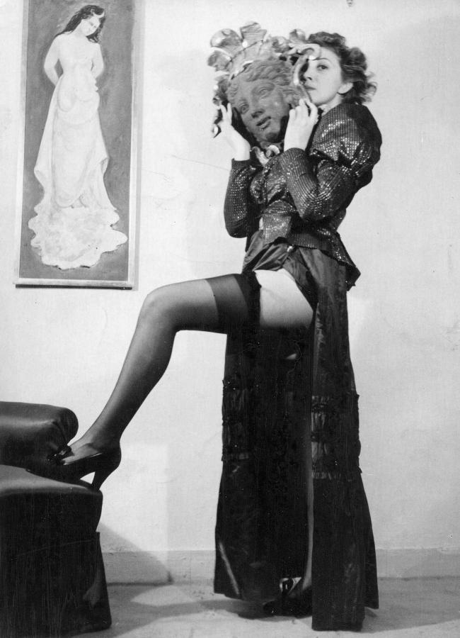 Leonor Fini, París,1938, fotografía anónima. Cortesía: Leonor Fini Estate