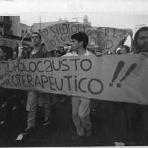 Holocausto Psicoterapéutico, Santiago de Chile, década de los 90. Cortesía: Movimiento de Diversidad Sexual/ MUMS – Chile