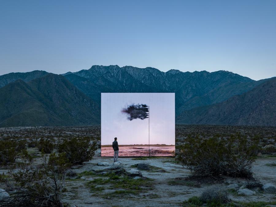 JOHN GERRARD, WESTERN FLAG (SPINDLETOP, TEXAS) 2017, 2017-2019. Desert X, Valle de Coachella, Sur de California, EEUU, 2019. Foto: Lance Gerber