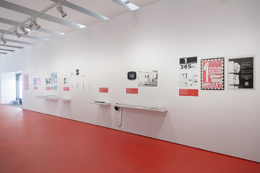 """Vista de la exposición """"Anarchivo Sida"""", en el Museo de Arte Contemporáneo de Barcelona (MACBA), 2018-2019. Foto cortesía de MACBA"""