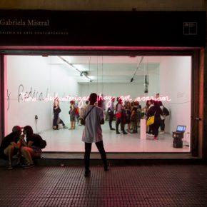 Katia Sepúlveda con Margarita Calfio, Histerix y Pezones Metralleta, Giro panfronterizo, Galería Gabriela Mistral, Santiago de Chile, 2019. Cortesía de las artistas