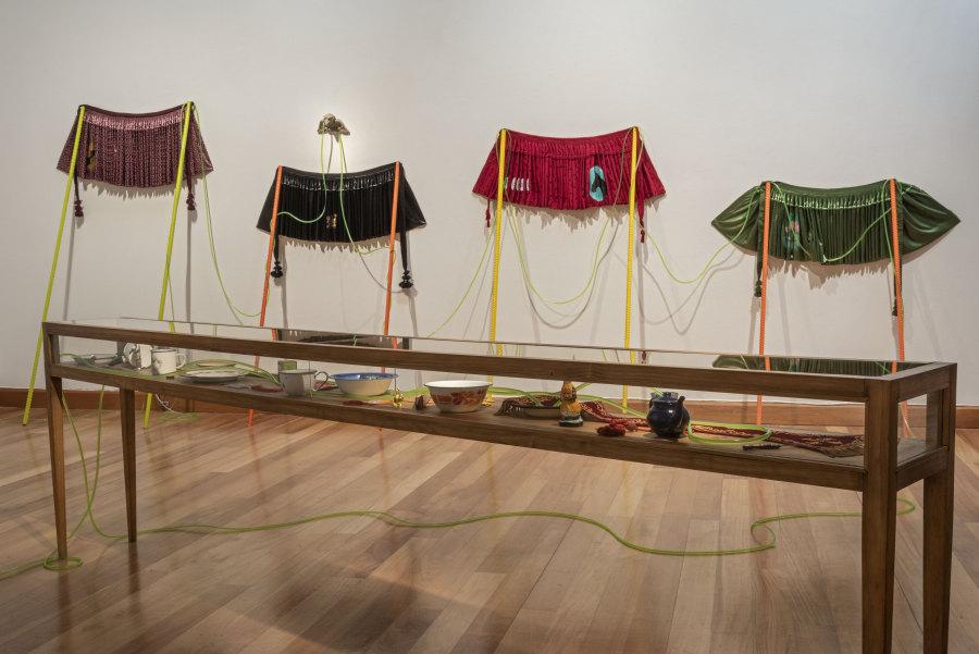 """Obra de Arturo Duclos en """"Los Dominios Perdidos"""", Museo de Artes Visuales (MAVI), Santiago de Chile, 2019. Foto: Jorge Brantmayer"""