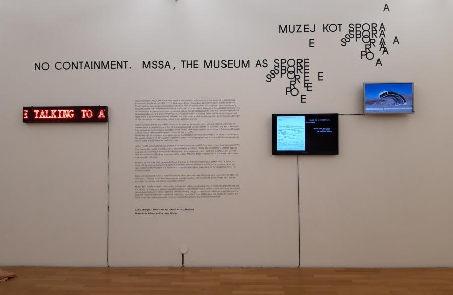 """Vista de la instalación """"No Containment. MSSA, the Museum As Spore (No-contención. MSSA, el museo como espora)"""", en Moderna Galerija de Ljubljana, Eslovenia, 2019. Foto cortesía del MSSA"""