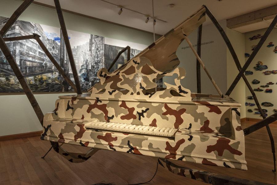 """Obra de Víctor Hugo Bravo en """"Los Dominios Perdidos"""", Museo de Artes Visuales (MAVI), Santiago de Chile, 2019. Foto: Jorge Brantmayer"""