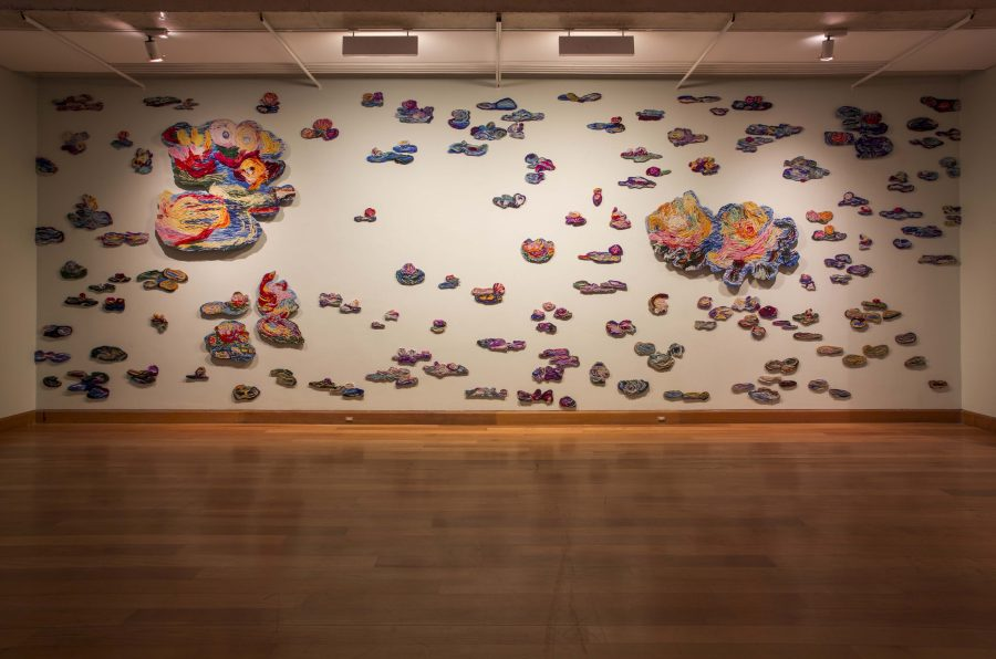 """Obra de Malu Stewart en """"Los Dominios Perdidos"""", Museo de Artes Visuales (MAVI), Santiago de Chile, 2019. Foto: Luis Navarro"""