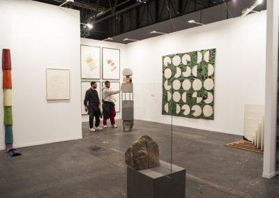 Stand de la galería Travesía Cuatro en ARCOmadrid, 2019. Foto: Mariella Sola