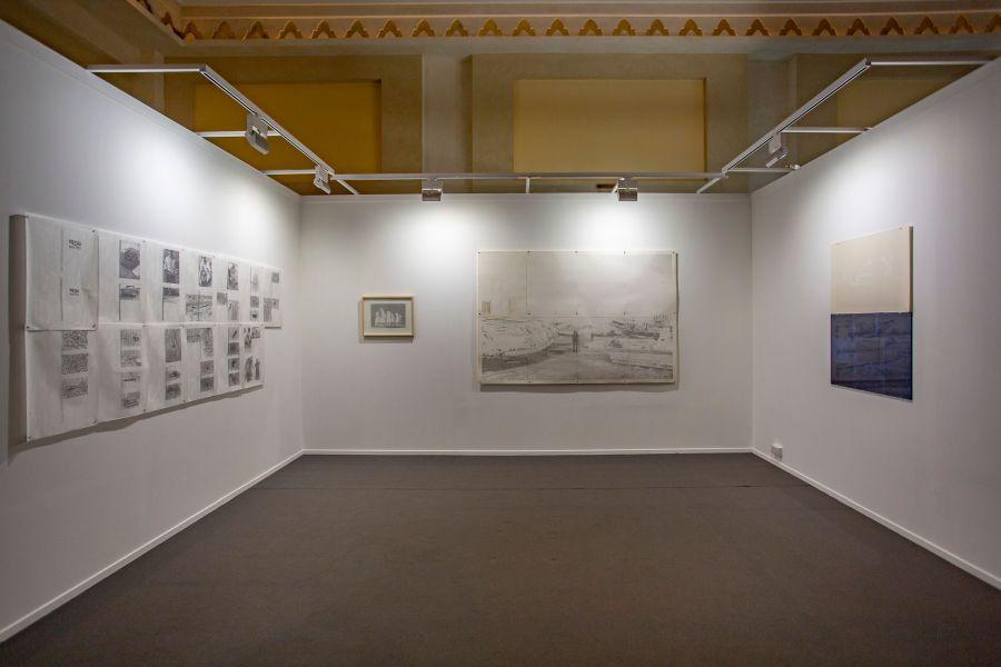 """Vista del stand de Revolver (Lima), con obra de Jerry B. Martin, en la sección """"Residents"""" de Art Dubái 2019. Foto cortesía de la feria"""