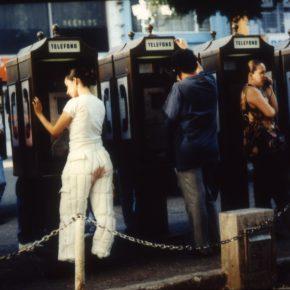 Priscilla Monge, Bloody Day, 1998, registro fotográfico de acción. Cortesía de la artista y Americas Society