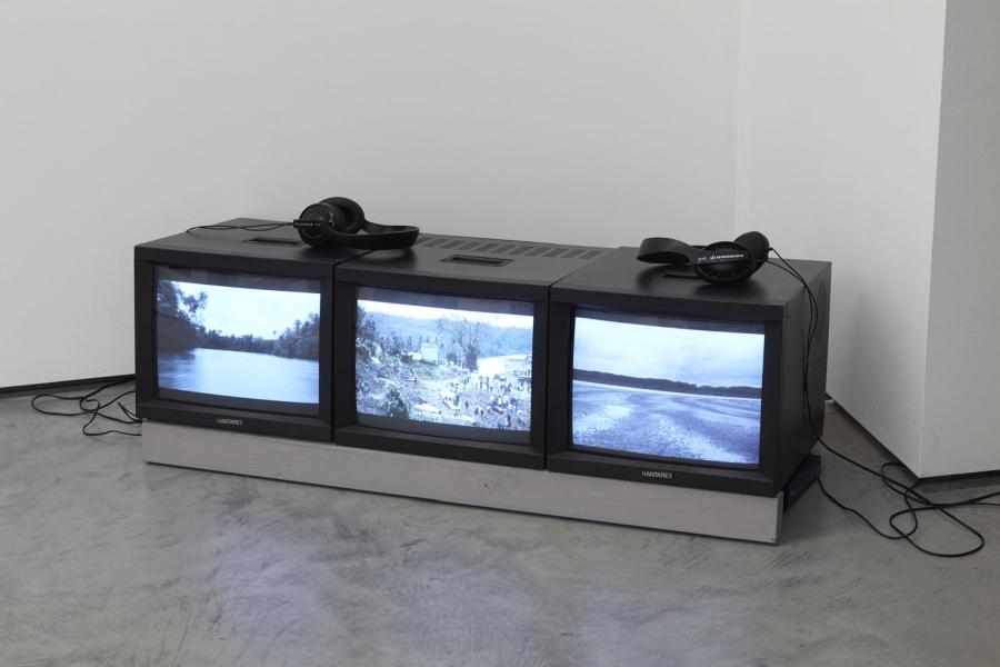 """Adriana Ciudad, Hágase el pecho pedazos y rómpase el corazón, 2018, 3 channel video 13' 9''. Installation view of """"Rivers flow out of my eyes"""", at tegenboschvanvreden, Amsterdam, 2019. Courtesy of the gallery"""