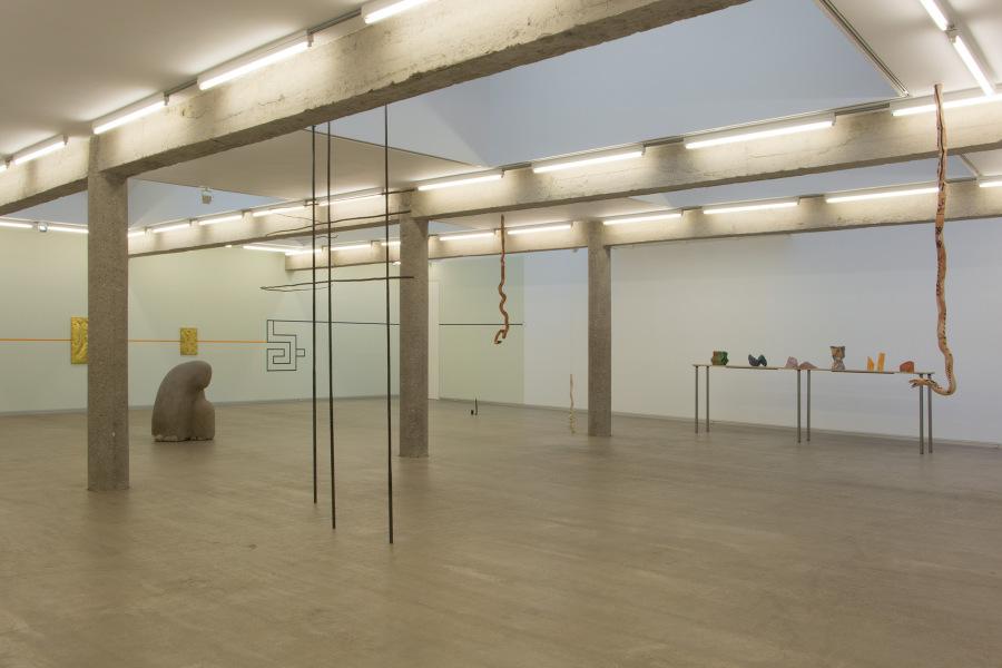 """Vista de la exposición """"El nudo"""", en CarrerasMugica, Bilbao, España, 2019. Foto cortesía de la galería"""