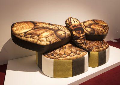 Anthea Hamilton, Mama Moth Sofa A-B, 2019. 58° Bienal de Venecia (2019) [Giardini]. Foto: Francesco Galli. Cortesía: La Biennale di Venezia