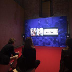 Kahlil Joseph, BLKNWS, 2019, video-instalación a dos canales (color, sonido). 58° Bienal de Venecia (2019). Foto: Italo Rondinella. Cortesía: La Biennale di Venezia