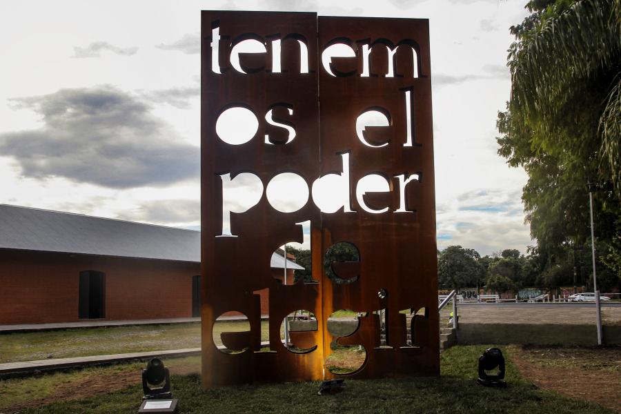 Marie Orensanz, Tenemos el poder de elegir. Vista de la obra en el Centro Cultural Juan B. Terán, Tucumán, Argentina, 2019. Cortesía: Bienalsur