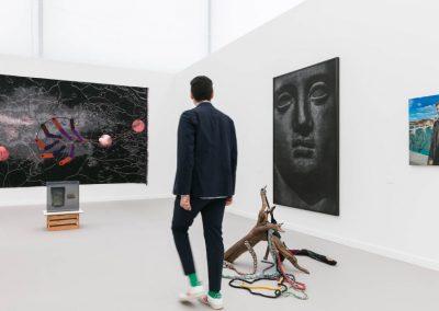 Stand de la galería brasileña Mendes Wood DM en Frieze New York 2019. Foto: Mark Blower. Cortesía: Mark Blower/Frieze