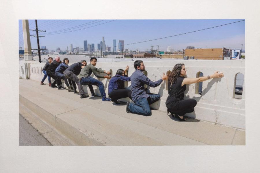 """Vista de la exposición """"Desenredar las formas colectivas"""", en LACE, Los Ángeles, California (EEUU), 2019. Foto: Chris Wormald"""