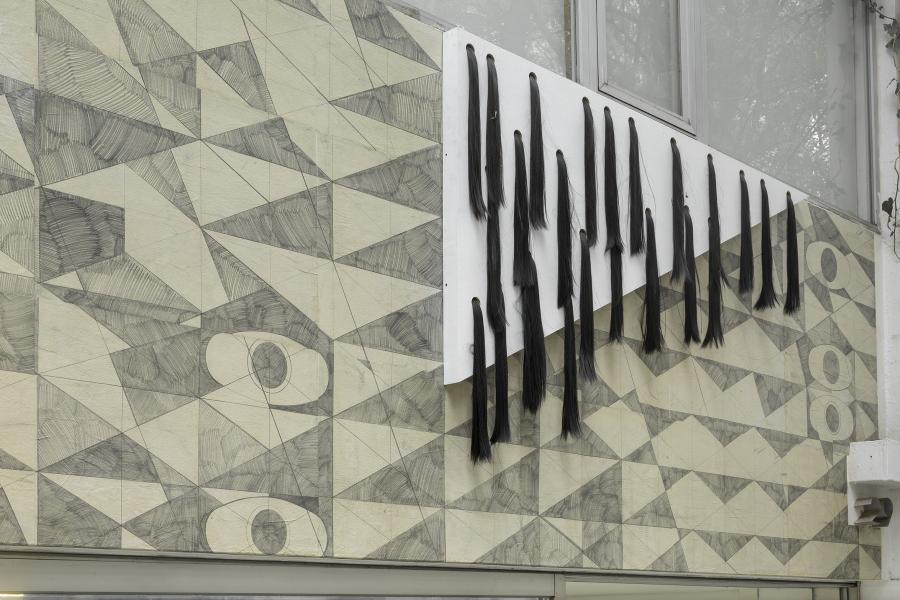 """Vista del mural """"La construcción del extraño"""", Madeline Jiménez Santil, en la Sala de Arte Público Siqueiros (SAPS), Ciudad de México, 2019. Foto cortesía de SAPS"""