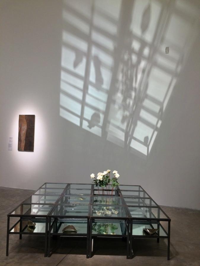 """Obra de Virginia Pérez-Rattón en su exposición """"Centroamérica: deseo de lugar"""", MUAC, Ciudad de México, 2019. Foto: Andrea Cuevas"""