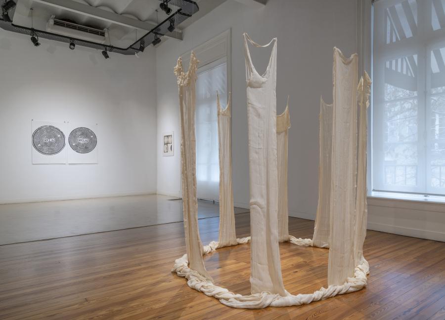 """Claudia Casarino. Vista de la exposición """"Asunción"""", en Herlitzka + Faria, Buenos Aires, 2019. Cortesía de la galería"""