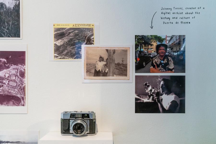"""Vista de la exposición """"Aquí vive gente: Museo de Historia y Comunidad de Puerta de Tierra"""",en Storefront for Art and Architecture, Nueva York, 2019. Foto: David Dee Delgado"""