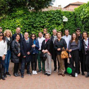 Parte de la comunidad Antenna (socios y directiva) durante su visita a la Bienal de Venecia, 2019. Foto cortesía de Antenna