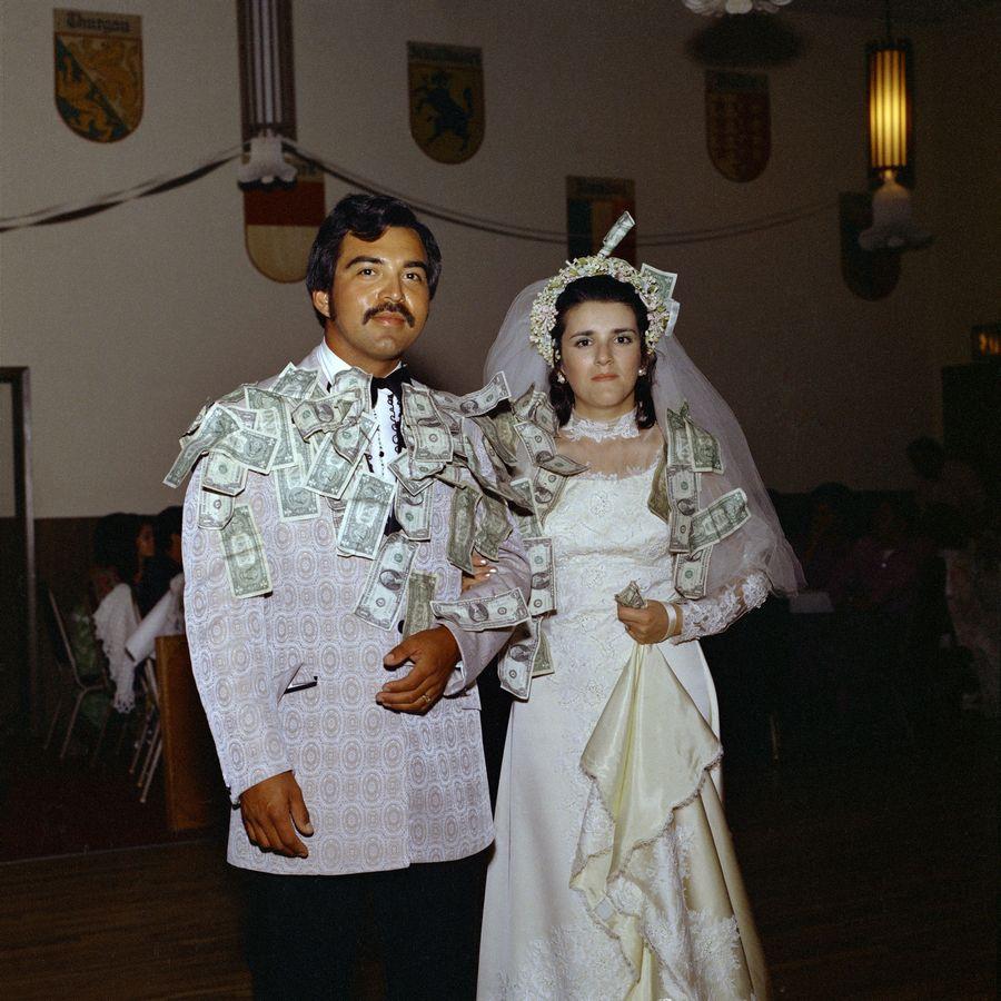 """Yvonne Venegas. Proyecto """"Días únicos"""". Boda Sosa - Gómez, 1972. Foto: José Luis Venegas. Archivo Estudio Venegas Fotografía Fina. Cortesía de Yvonne Venegas y José Luis Venegas"""