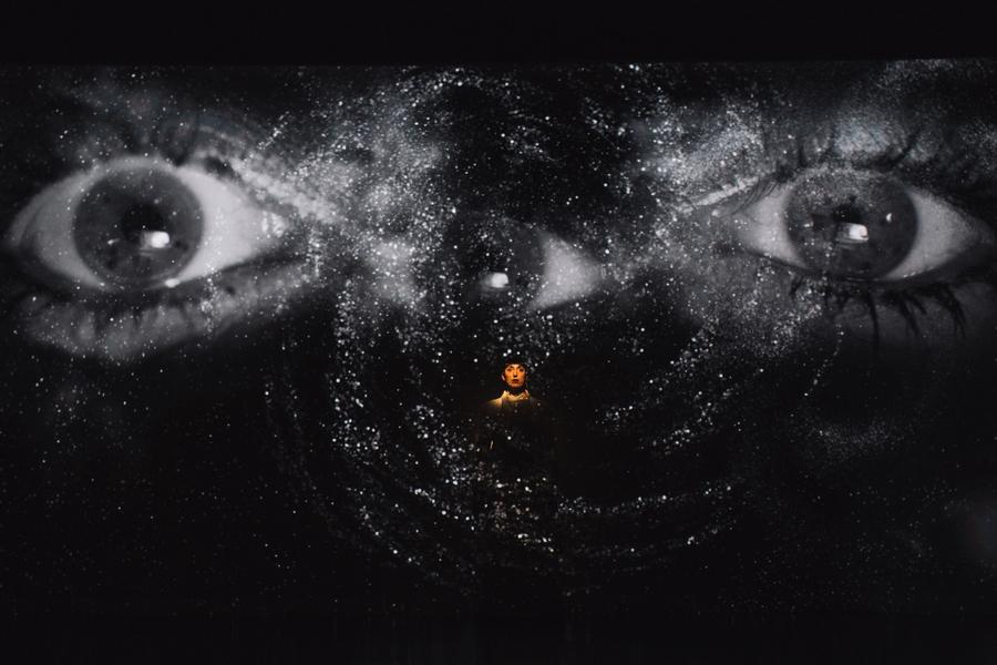 """Obra de Jessica Mitrani en """"Universos desdoblados"""", curaduría de La Usurpadora para el 45 SNA, MAMBO, Bogotá, 2019. Foto cortesía de 45 SNA"""