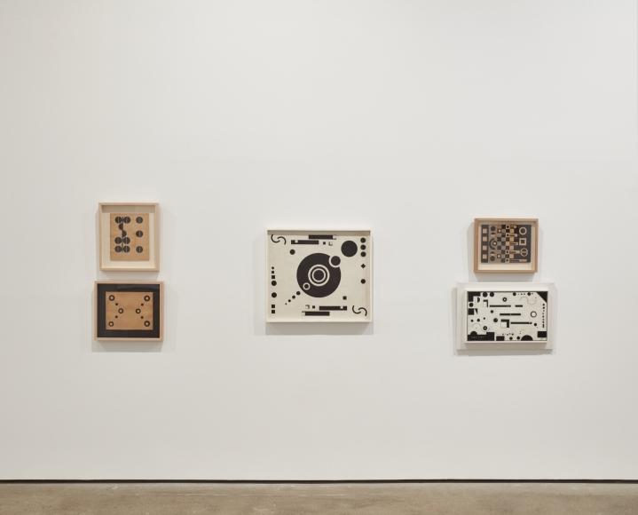 """Vista de la exposición """"Constructing Her Universe: Loló Soldevilla"""", en Sean Kelly Gallery, Nueva York, 2019. Foto: Jason Wyche"""