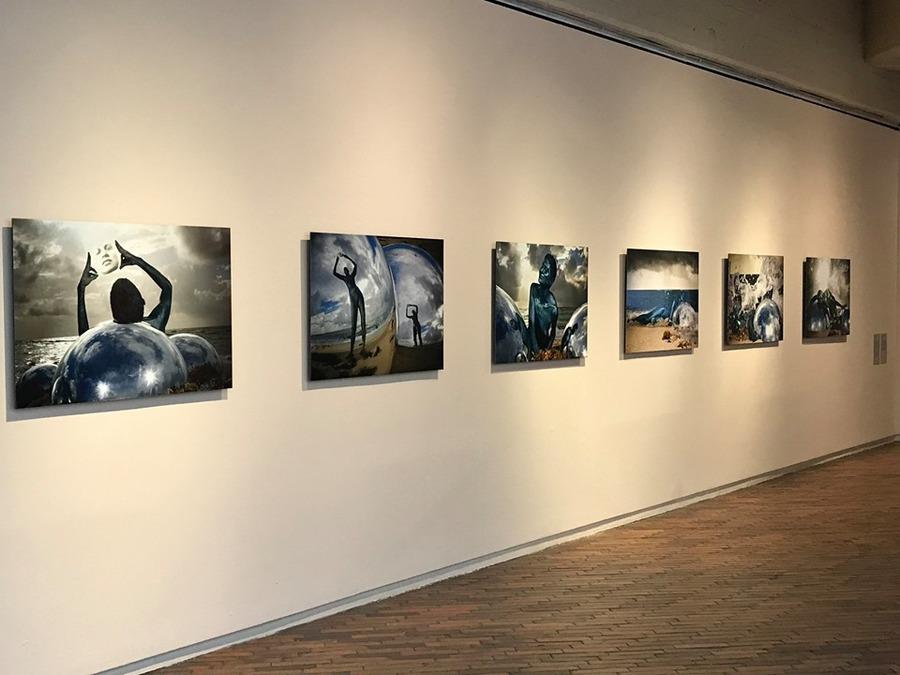 """Obras de Sara Modiano en """"Universos desdoblados"""", curaduría de La Usurpadora para el 45 SNA, MAMBO, Bogotá, 2019. Foto cortesía de La Usurpadora"""