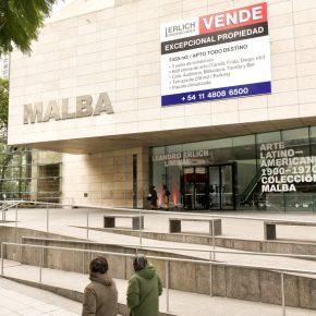Leandro Erlich, Se vende, 2019. Vista de la instalación en el MALBA, Buenos Aires, 2019. Foto: Guyot Orti.